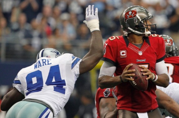 Bucs Offense Held Down in 16-10 Setback to Cowboys