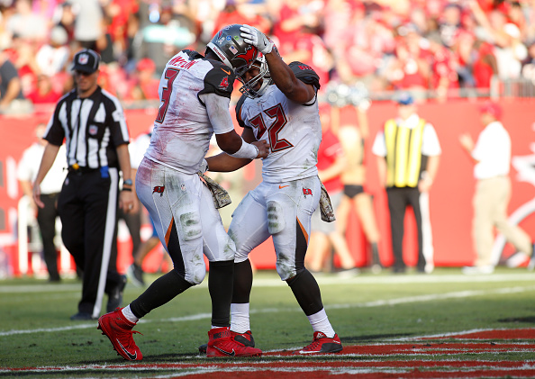 Buccaneers Roll Past Bears 36-10 to Improve to 4-5