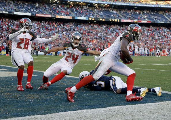 Buccaneers Win 4th Straight; Top Chargers in San Diego 28-21