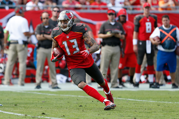 Buccaneers Pick Up Fifth-Year Option on Wide Out Mike Evans